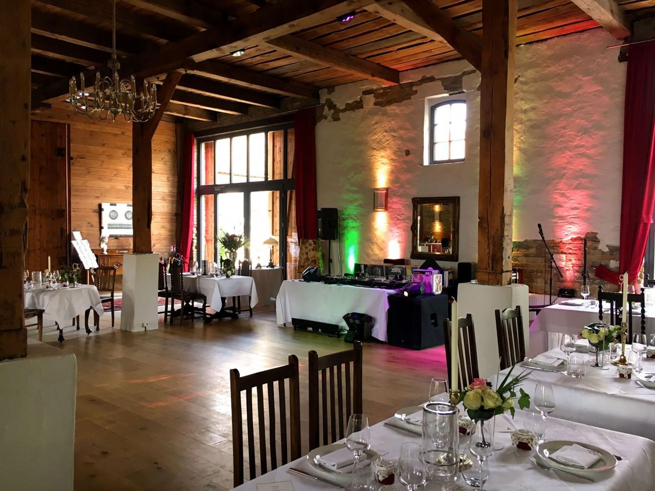Hochzeits Dj Bochum Dj In Bochum Buchen Musik Fur Ihre Hochzeit In Bochum Hochzeits Dj Aus Bochum Dj In Bochum Mieten Dj Fur Ihre Hochzeit Geburtstag Party In Bochum Schonste Hochzeitslocations In Bochum